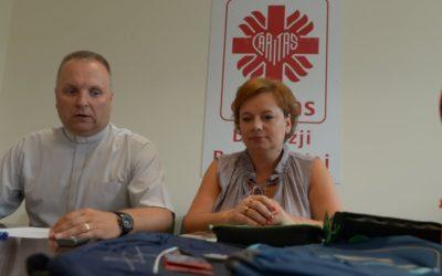 Radomska Caritas rozdaje wyprawki szkolne