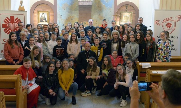 Zanami wielkopostne rekolekcje szkolnych kół Caritas